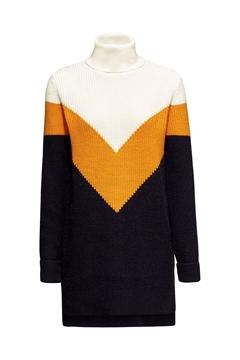 Снимка на Дамски дълъг пуловер с вълна