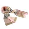 Снимка на Дамски вълнен шал