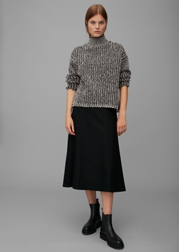 Picture of Knitted jumper made of soft blended new wool