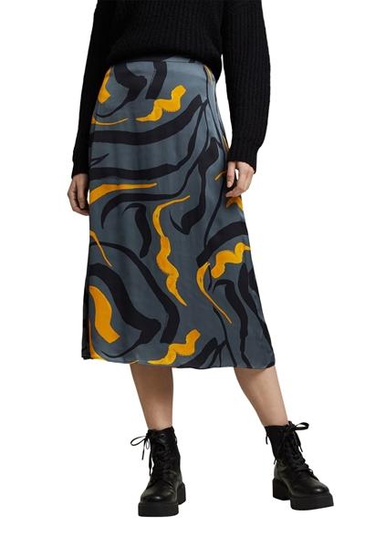 Снимка на Дамска пола от лека тъкан