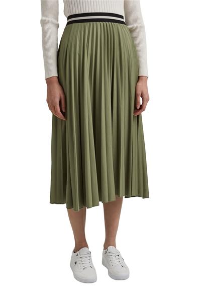 Снимка на Плисирана пола с еластична талия