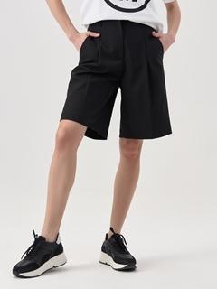 Снимка на Дамски къси панталони от габардин