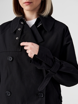 Picture of SUSTAINABLE Outdoor trench coat with a water-resistant outer surface