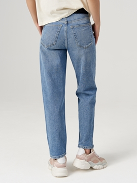 Picture of SUSTAINABLE Jeans HETTA relaxed model Made of organic cotton