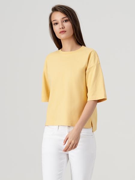 Снимка на SUSTAINABLE Дамска тениска от органичен памук Loose fit