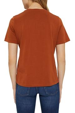 Снимка на SUSTAINABLE Дамска тениска с принт от органичен памук